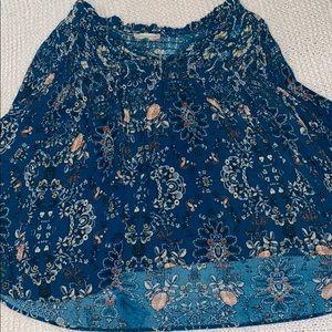 blue flowy top